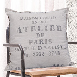 The best farmhouse Pillows and how to style and pick them www.whitepicketfarmhouse.com