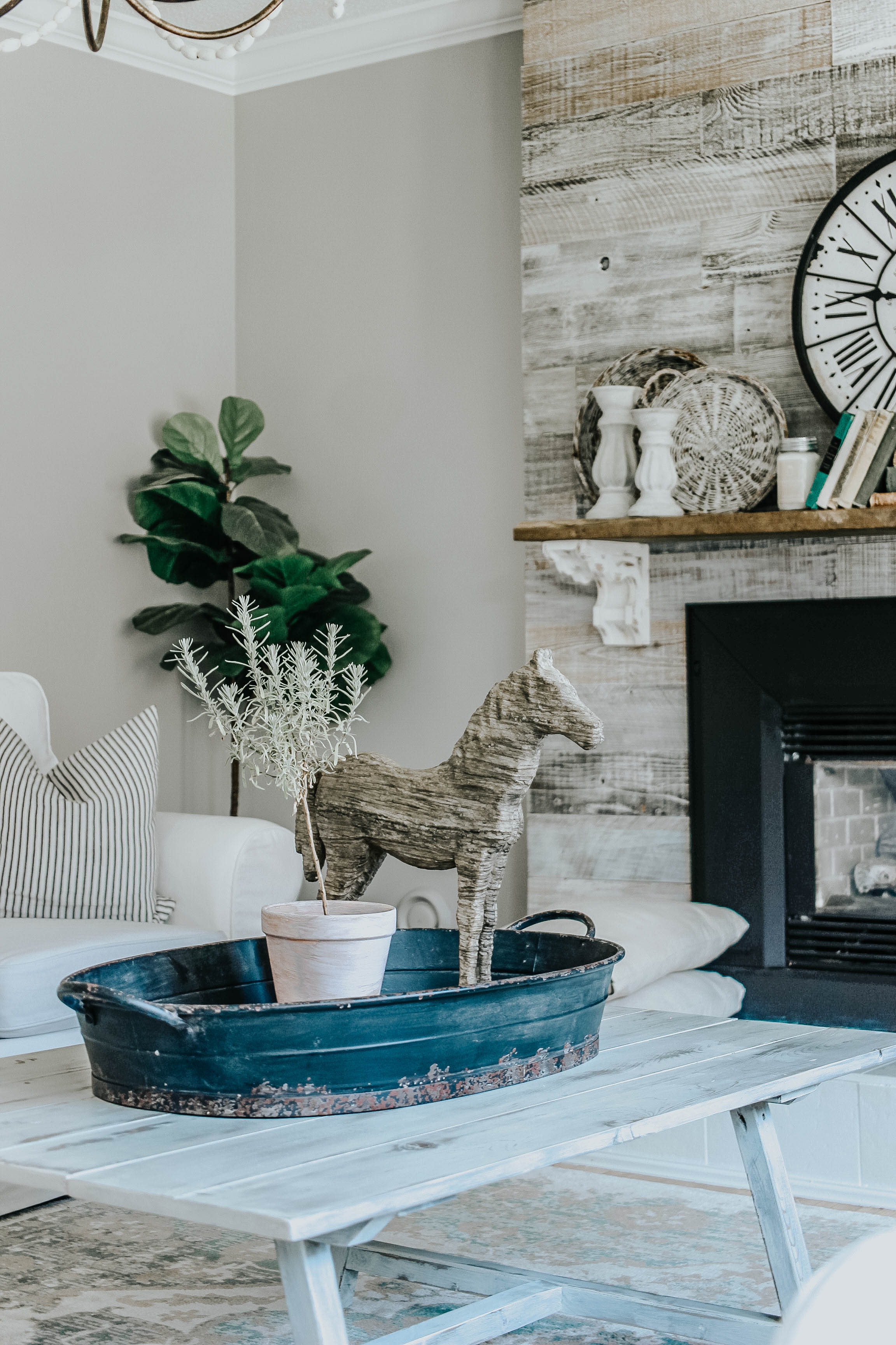 Modern Farmhouse Living Room and trying to find balance in everyday life. It's hard with four kids and being a stay at home mama. Featuring Campaign Living Chairs and Creative Co-op www.whitepicketfarmhouse.com