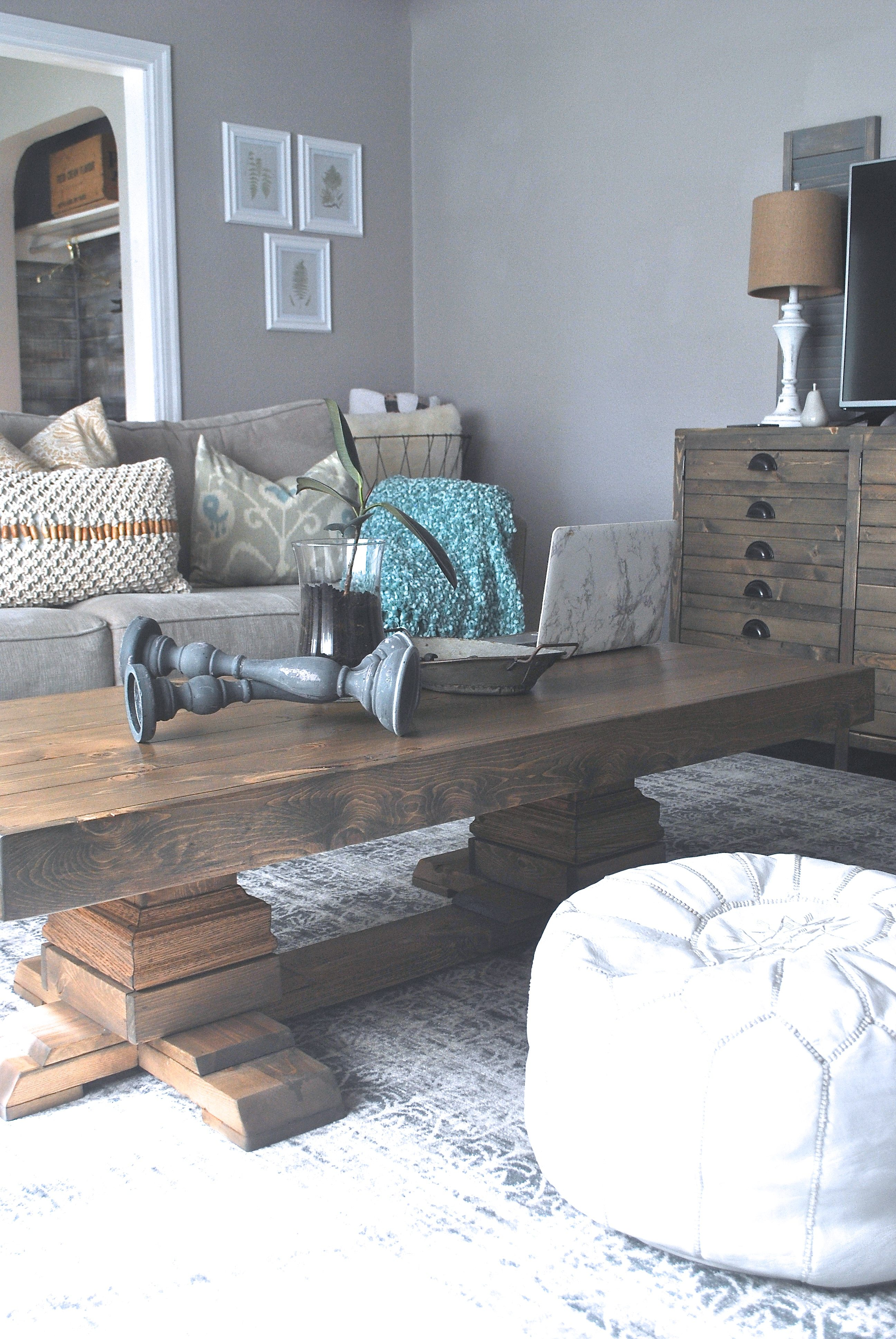 https://www.whitepicketfarmhouse.com/pedestal-coffee-table/, shanty2chic coffee table, easy DIY coffee table, DIY pedestal coffee table, pedestal coffee table