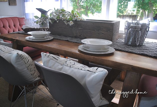 Farmhouse Tablescape, How To Decorate Your table for less, Table Decorations, Table Decor