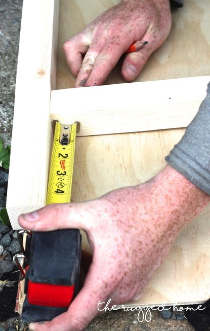 Easy Rustic ladder, DIY Ladder Easy Rustic Ladder, DIY Ladder, How To build a rustic ladder easy, Build a ladder fro under 7 dollars, rustic furniture builds