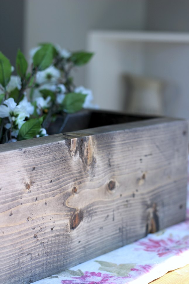 Make a One Hour Rustic Flower Box, Super Easy DIY