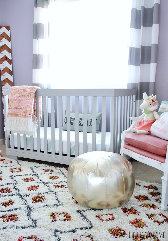 Perfect Little Girls Room. Mid Centery Touches With Rustic Decor www.whitepicketfarmhouse.com