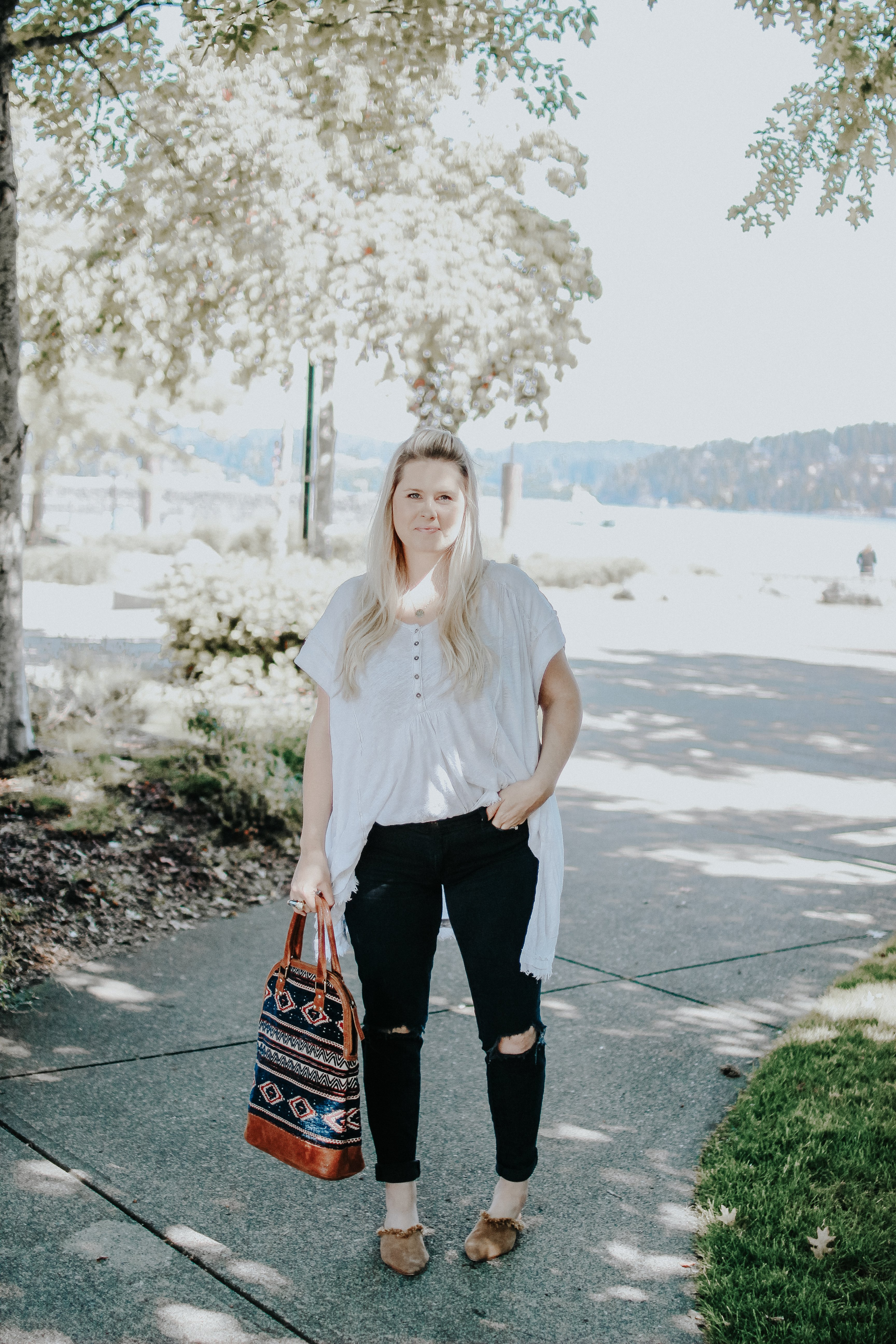 My Favorite Fall Pieces. How to Curate a Wardrobe and make it a beautiful Capsule Wardrobe. You end up spending less in the long run and loving your outfits every day. #CapsuleWardrobe #qualityoverquantity www.whitepicketfarmhouse.com