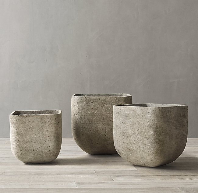 Do you love Restoration Hardware high end distressed/cement look? Get a DIY Cement look on your decor and vases. Super easy and you will most likely have all the items to achieve this look!