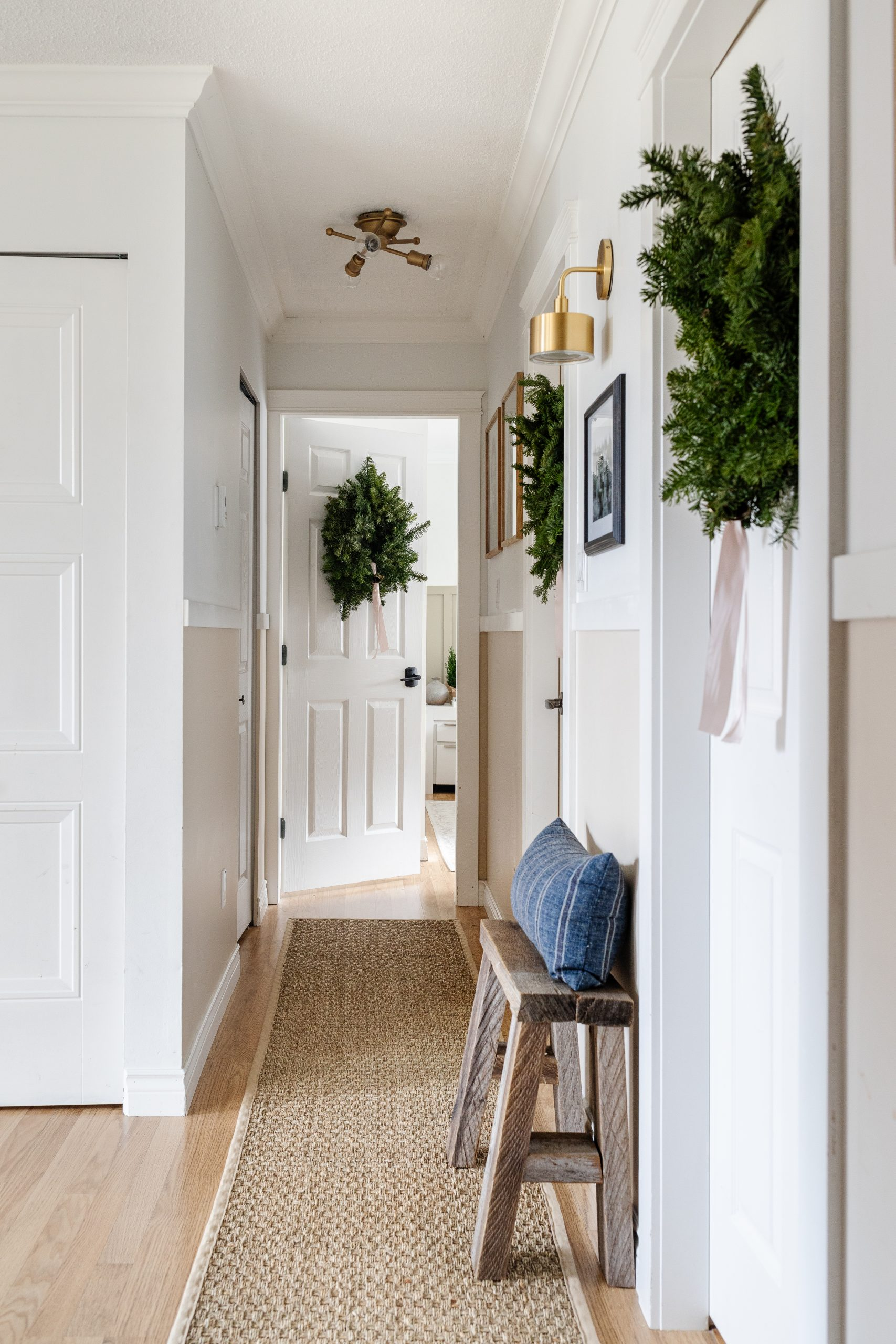 My 2020 Holiday Home Tour. How I styled our home for the holidays very minimal and used items that were thrifted as well as items I made. I hope I can inspire you that you can make your home beautiful too! Here's our modern farmhouse