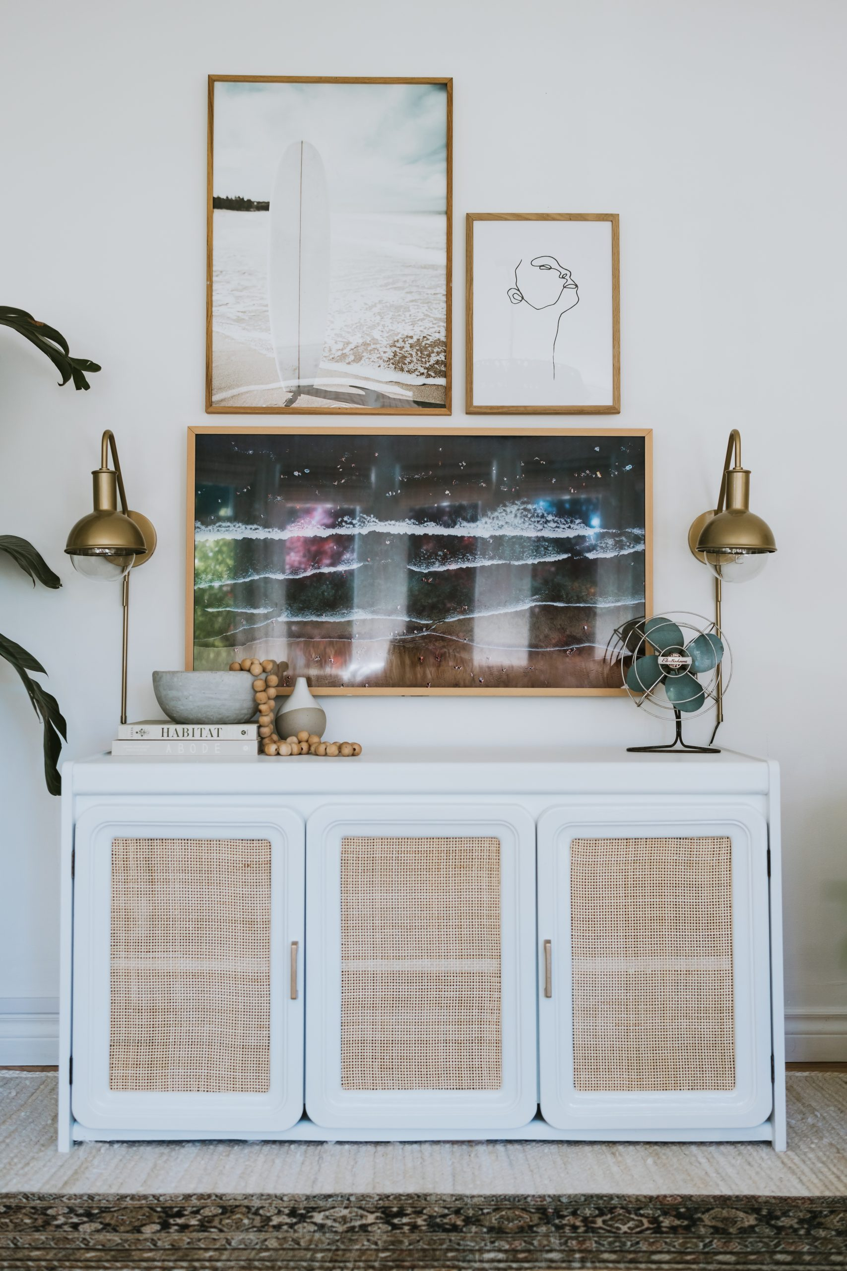 My Top 10 DIY Projects of 2020. In our house we want a beautiful house, but we don't want to spend a lot. Here are my 10 top DIY projects, almost all are under 100 dollars.