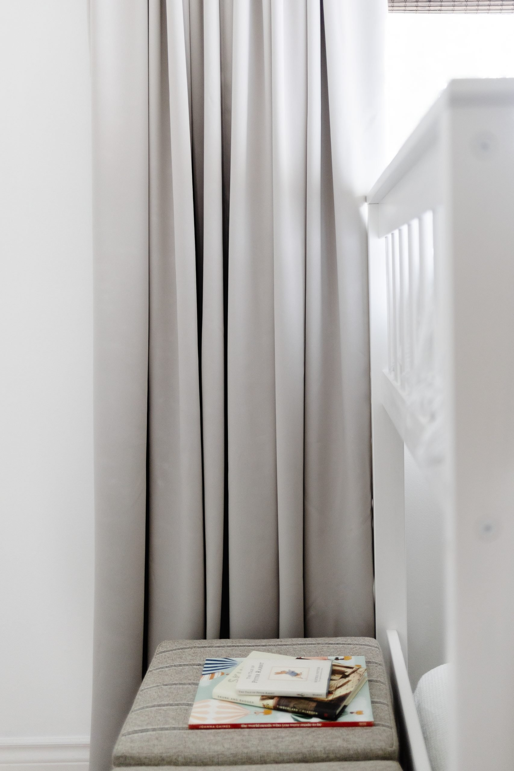 DIY High-End Curtains That Won't Break The Bank. If your like a high-end look but you don't want to spend over 1,000 on curtains, this curtain tutorial is FOR YOU. All four panels cost under 100 dollars and there was no sewing involved!